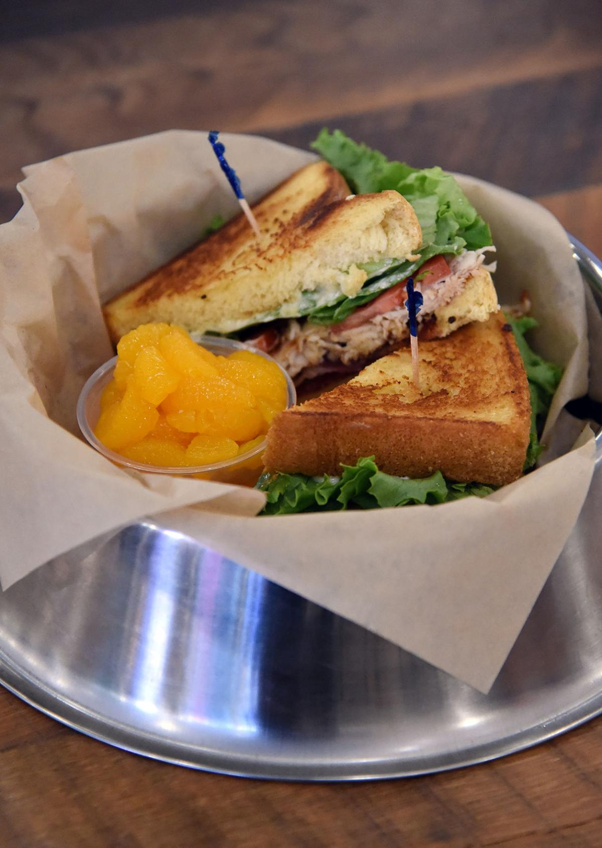 Dining Review: Dogs welcome at Pub Dog Colorado