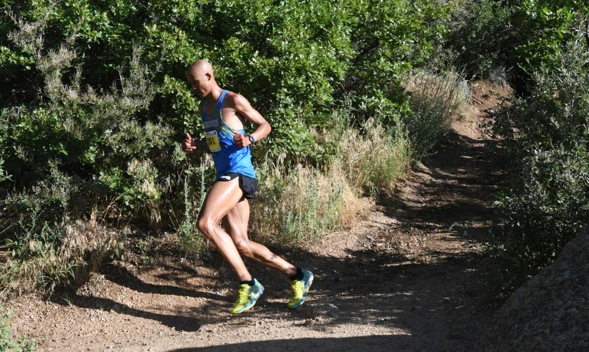 Snapshots: Barr Trail Mountain Race in action