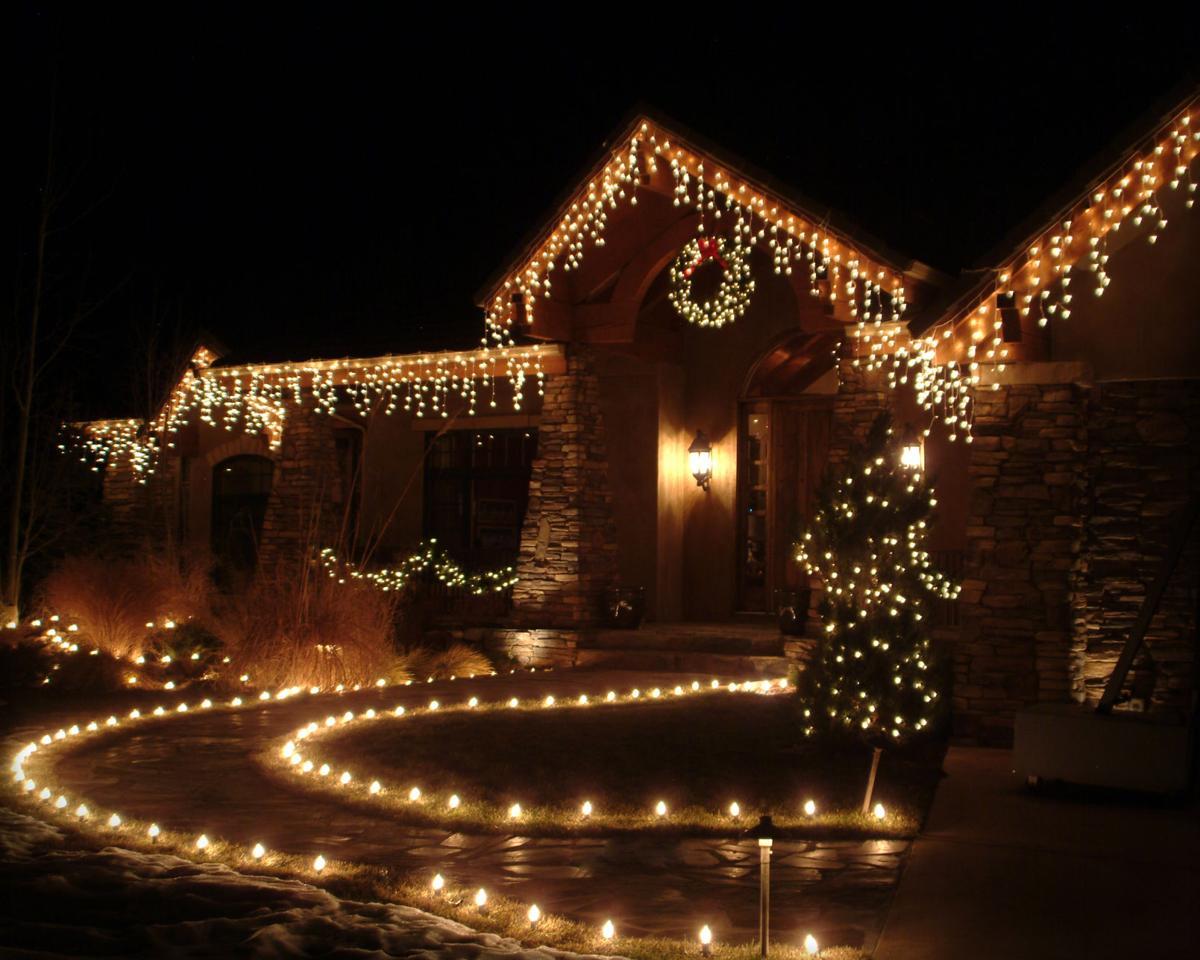 110318 hg christmas decor 002jpg - Country Springs Christmas Lights