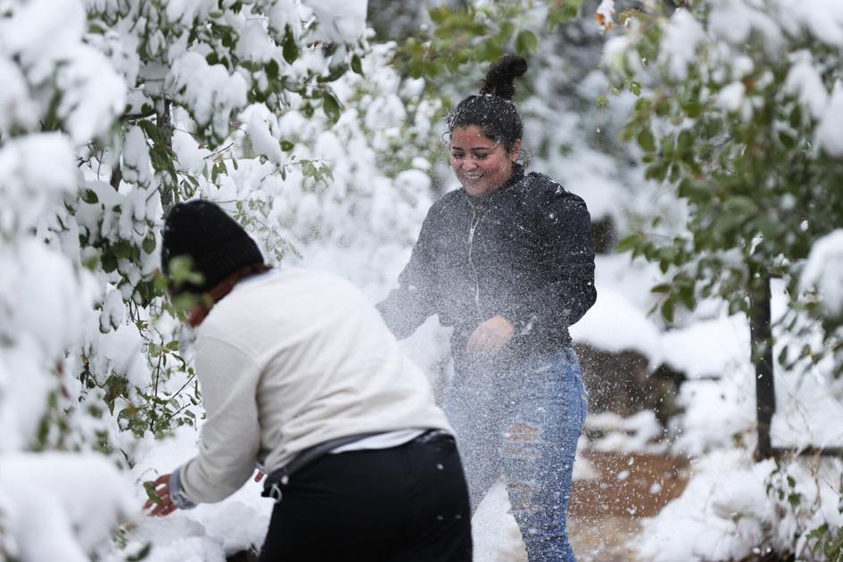 More than a foot of snow expected over Colorado fires; Pikes Peak region, Denver gird for subfreezing chill