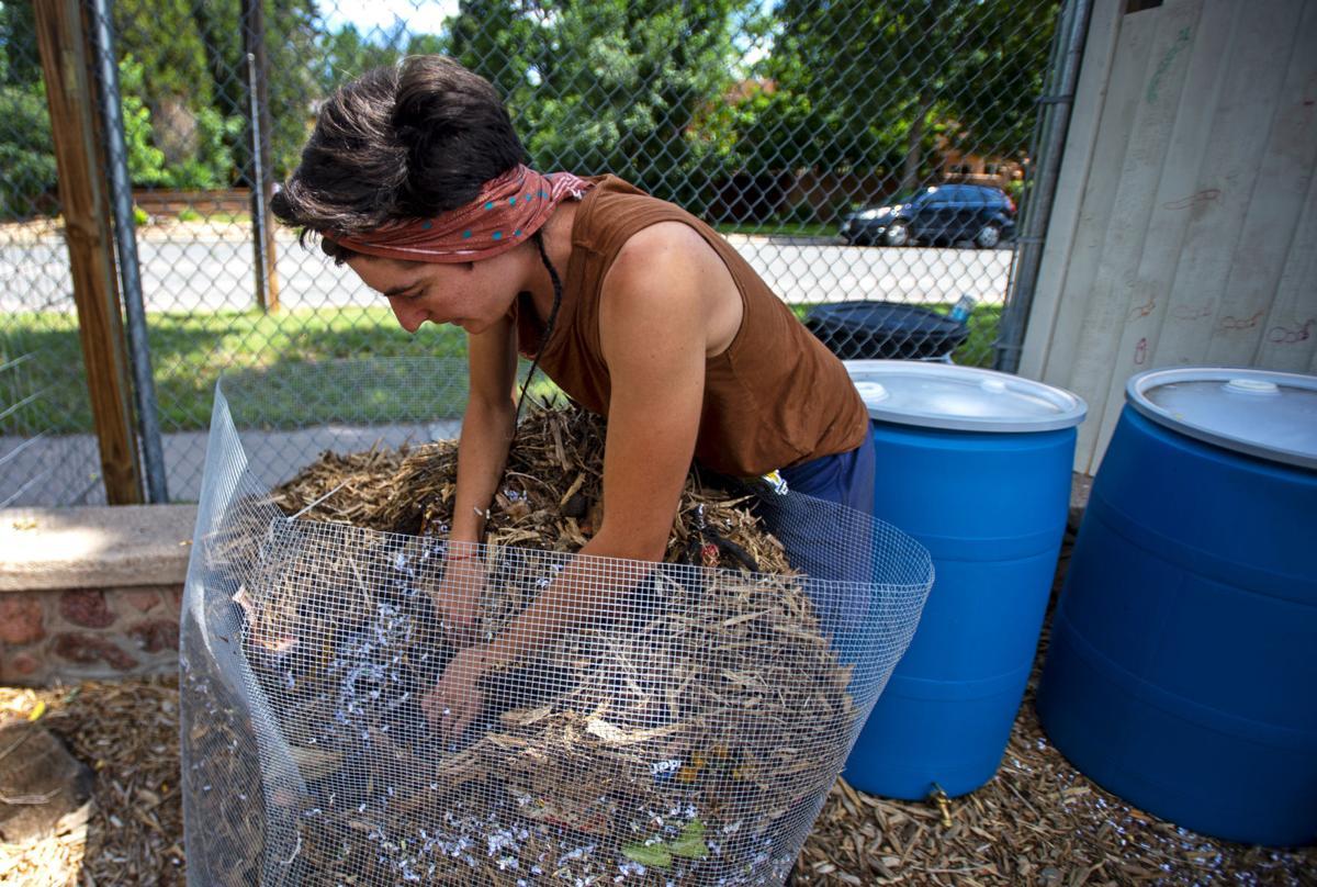 080319-hg-compost 01.JPG