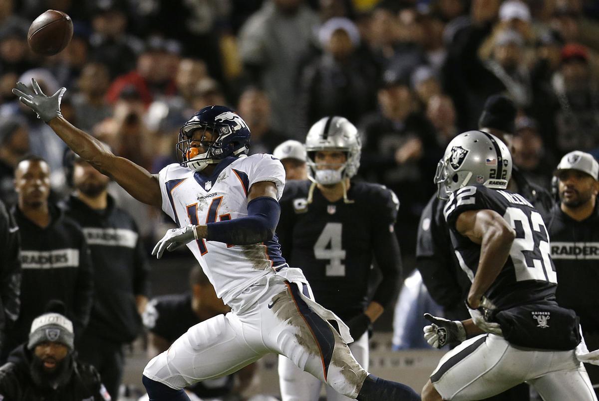 Raiders win possible final game in Oakland 27-14 vs. Broncos ... fb3b58cf5