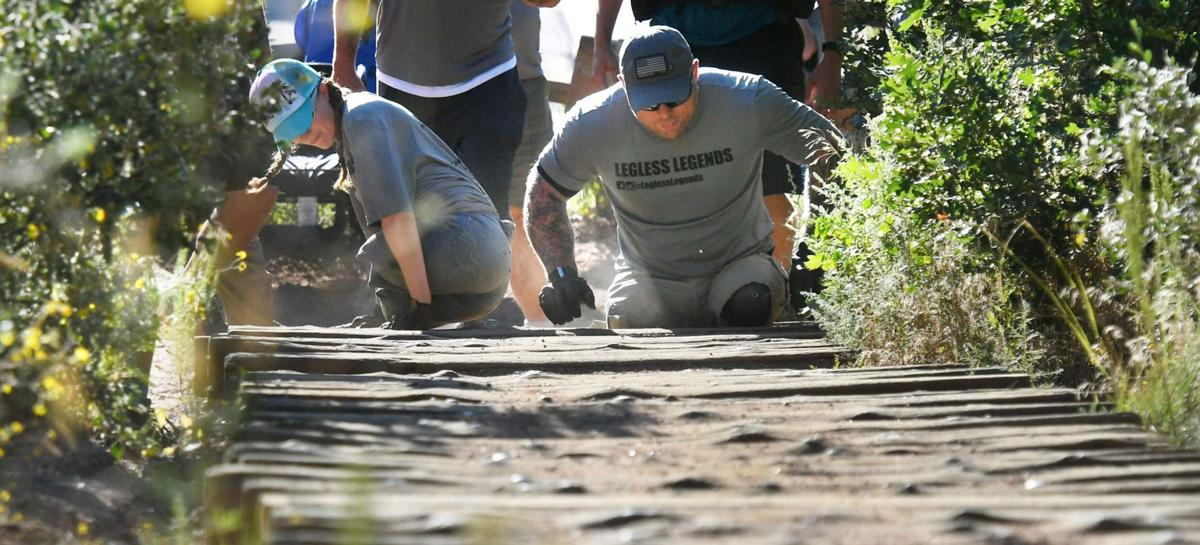 Pair of Colorado Springs double-amputees climbing Manitou Incline