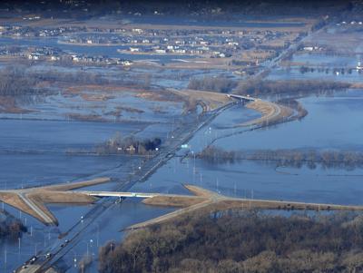 CORRECTION APTOPIX Winter Weather Flooding Nebraska