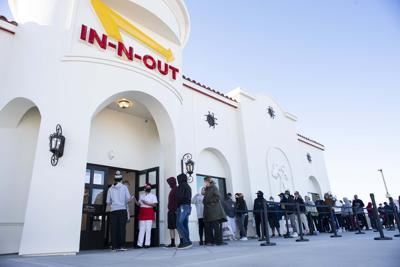 IN-N-OUT BURGER PHOTO 1 (copy)