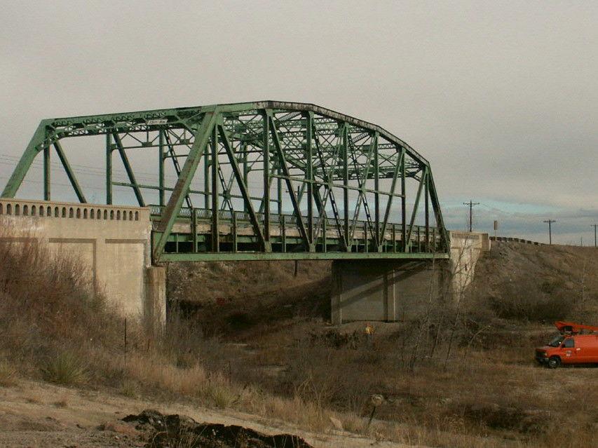 bridge-highway-housed-cel