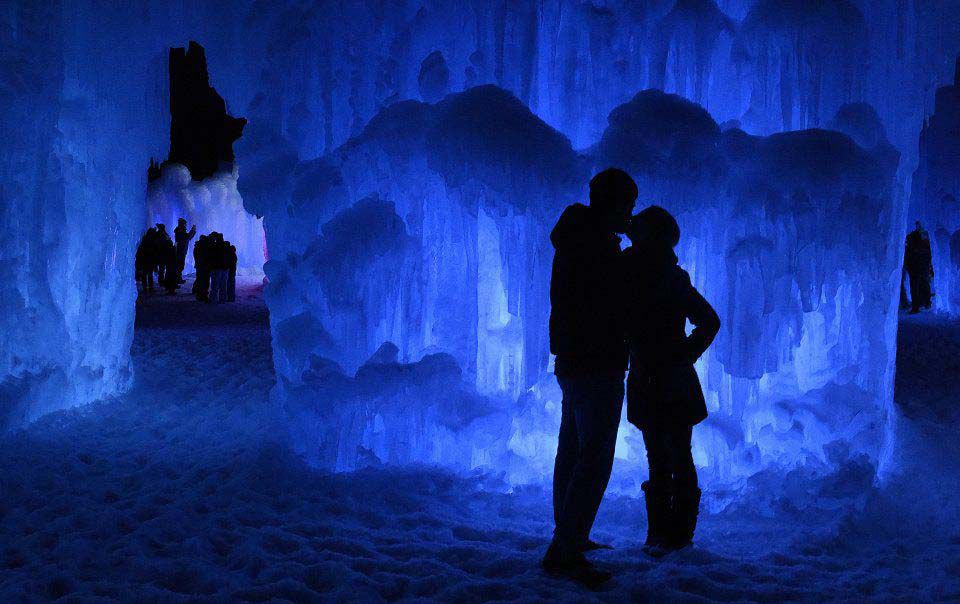 111118-life-winter-guide ice castles.jpg