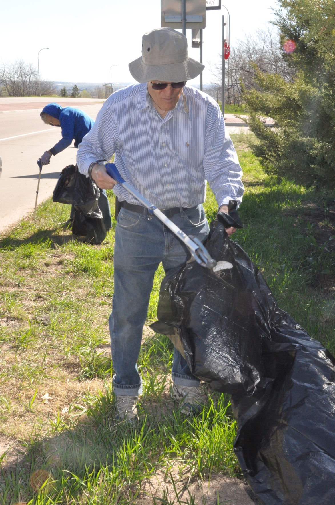 Broadmoor Community Church's cleanup efforts along Lake Avenue