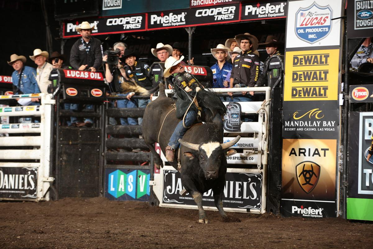 Guilherme Marci rides J.A.R.S/Owen's Wicked for 89.5 during the 15/15 Bucking Battle of the Colorado Springs Built Ford Tough series PBR. Photo by Andy Watson