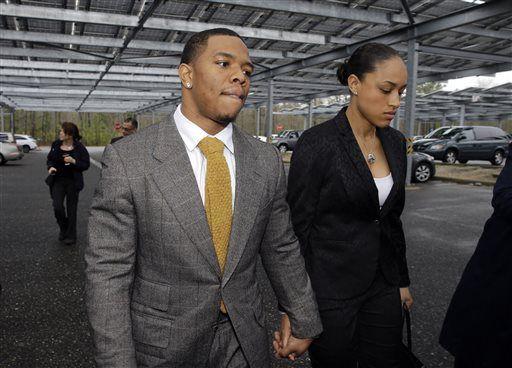 Former LSU, Denver Broncos tight end accused of choking