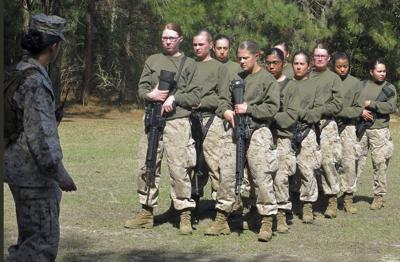 Pentagon advocates requiring women to sign up for military draft