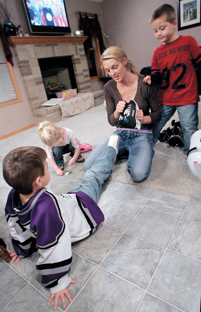 Evansville family opens their home to 'Super Nanny