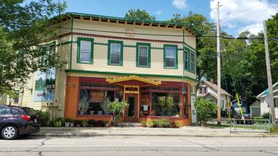 Architectural Gem In Downtown Madison >> Restaurant Review Quaint Sala Thai Is Gem On Madison S East Side