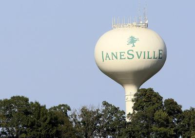 01STOCK_JANESVILLE_WATERTOWER