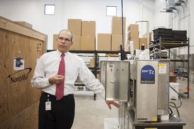 NorthStar president showing machine