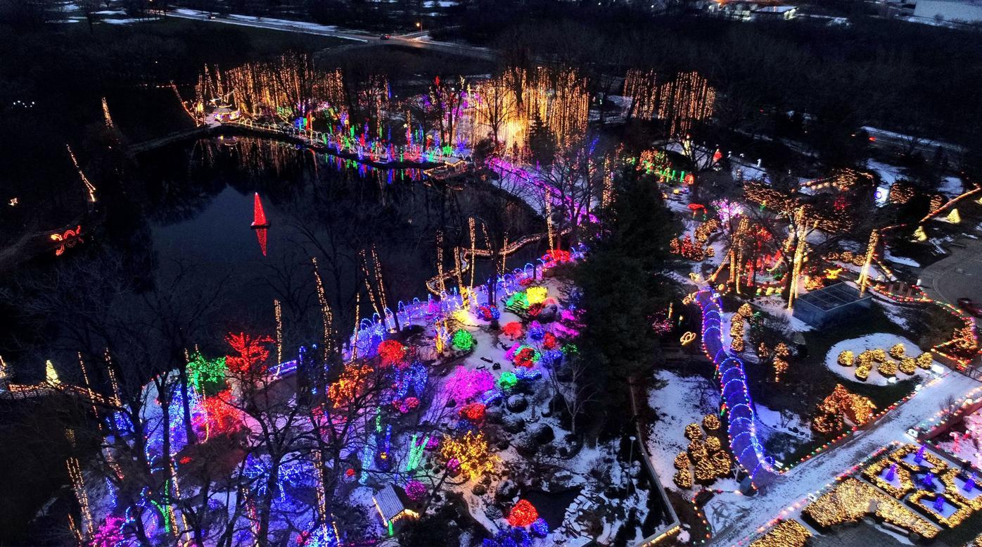 5bf3663e5dce5.image - Holiday Light Show Rotary Botanical Gardens December 22