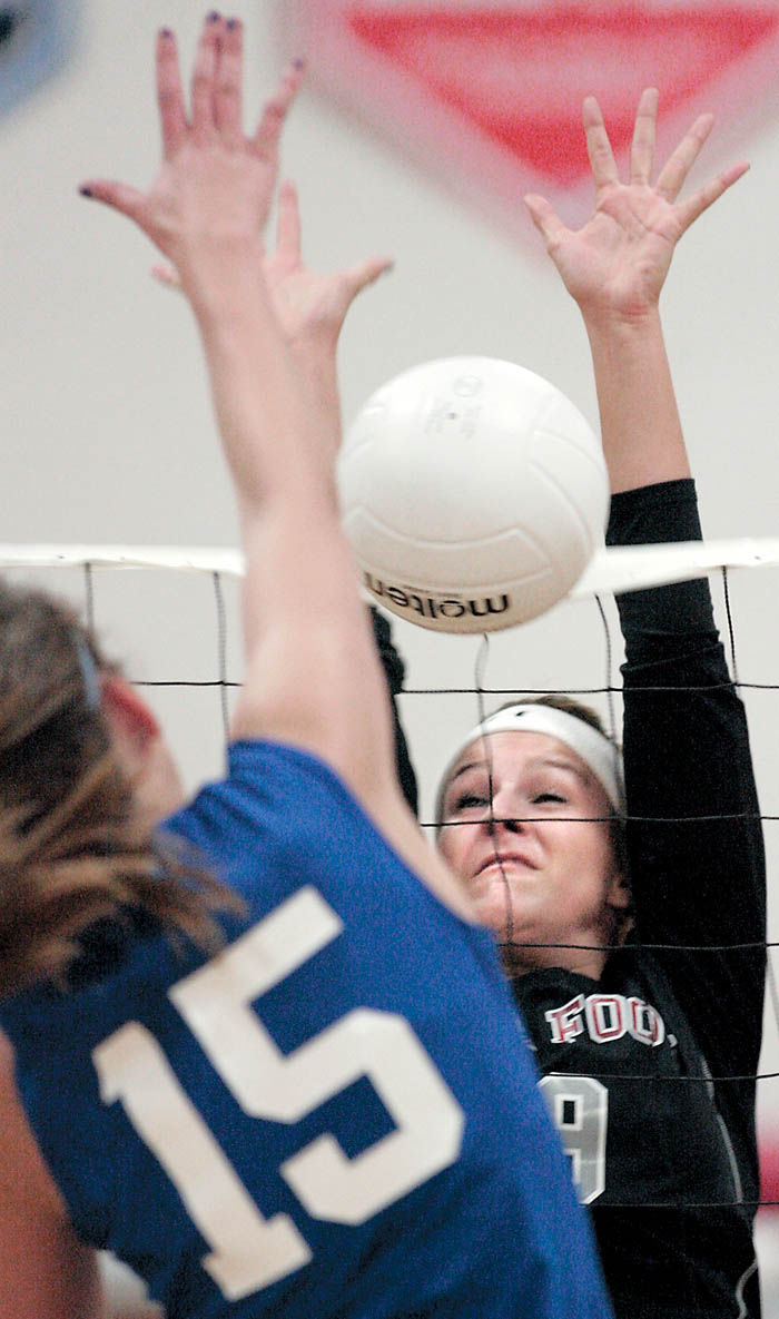 Edgerton volleyball advances