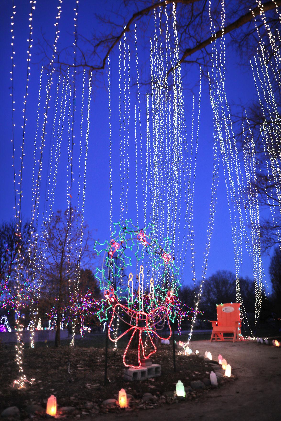 Rotary Botanical Gardens holiday light show