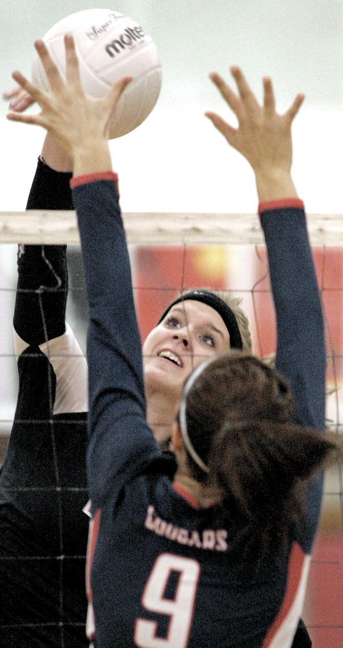 Edgerton, Big Foot advance to regional volleyball finals