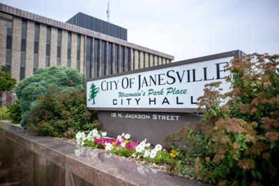 01STOCK_JANESVILLE_CITYHALL01