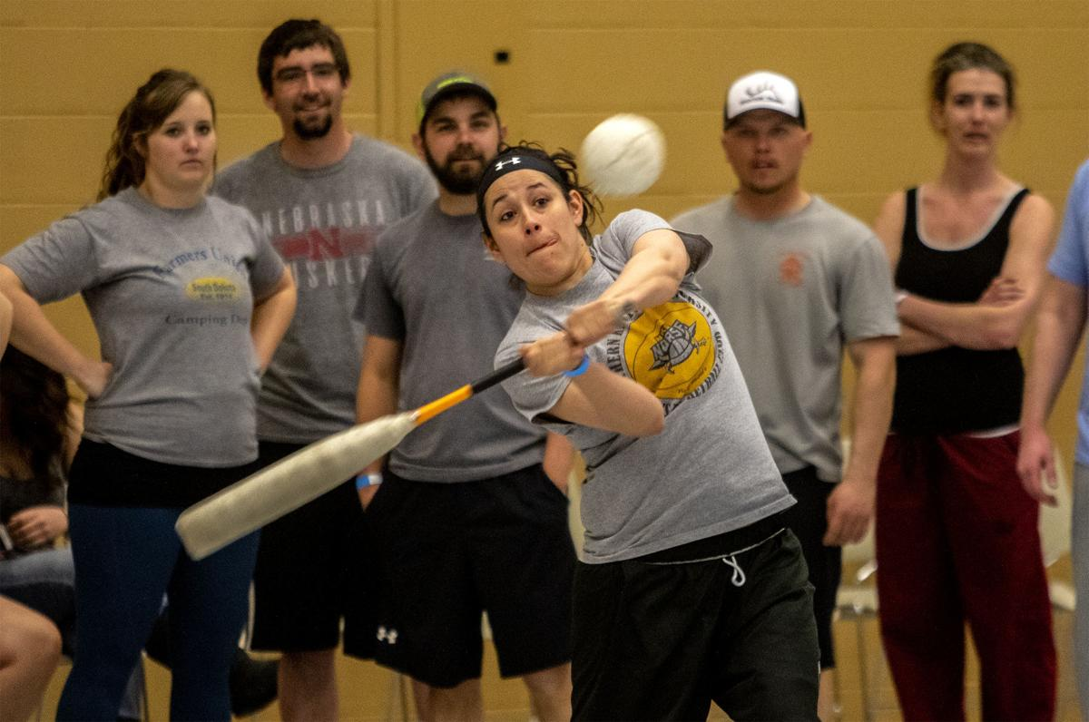 Cornhole-softball tourney draws dozens of teams | Sports