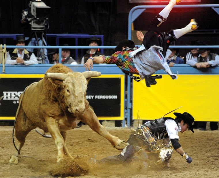 Wyoming Bull Riders Lead Average At National Finals Rodeo