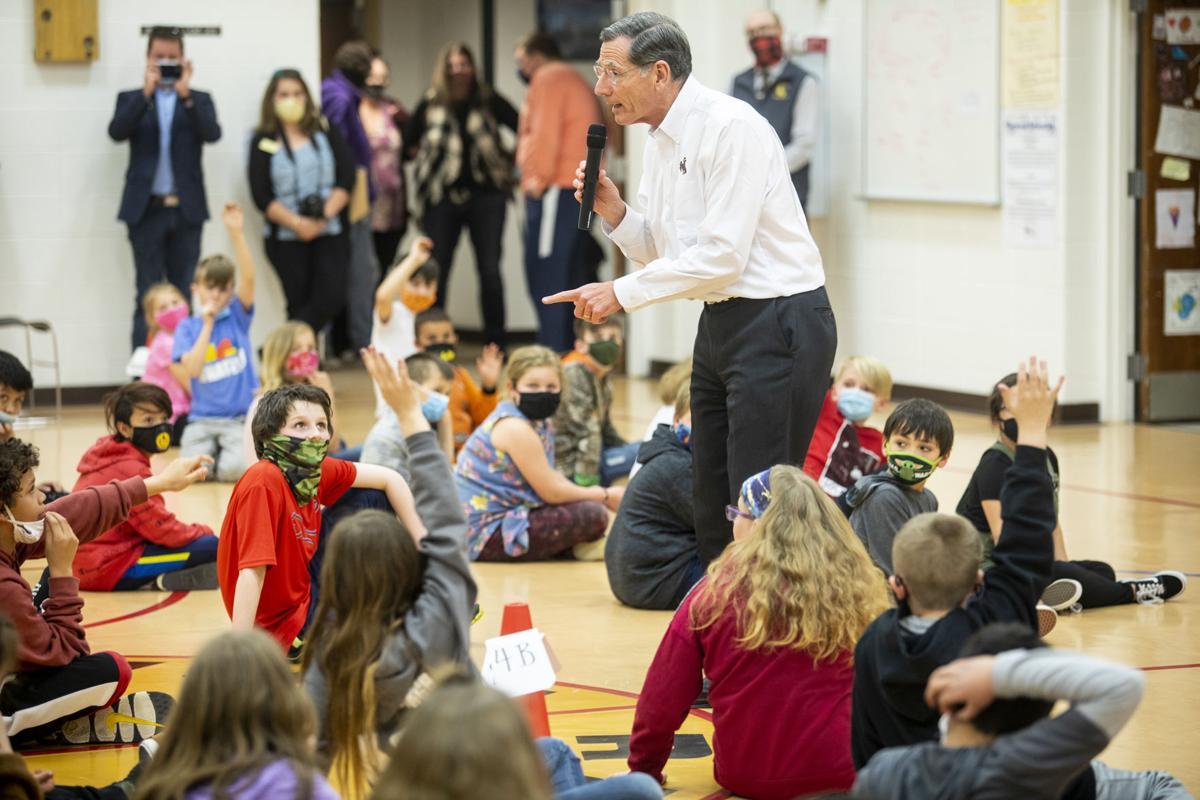 Barrasso visits Rawhide Elementary
