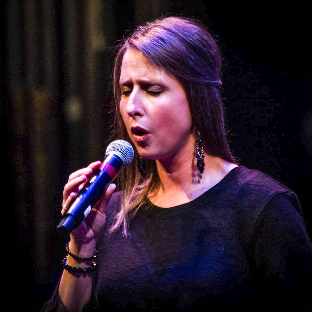 Lara Moline