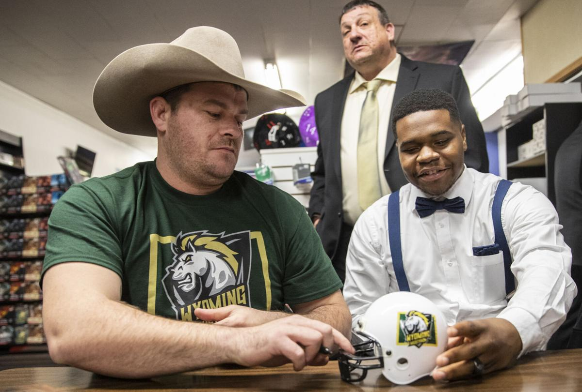 Wyoming Mustangs hold autograph signing