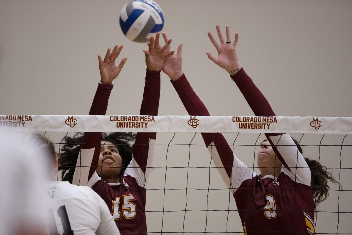 Gilfert records assist, dig in Mavs' sweep of UCCS
