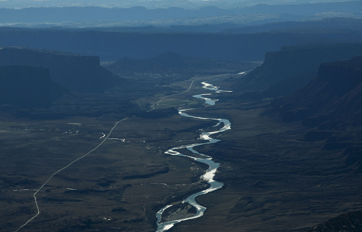 Flight offers look at dwindling rivers