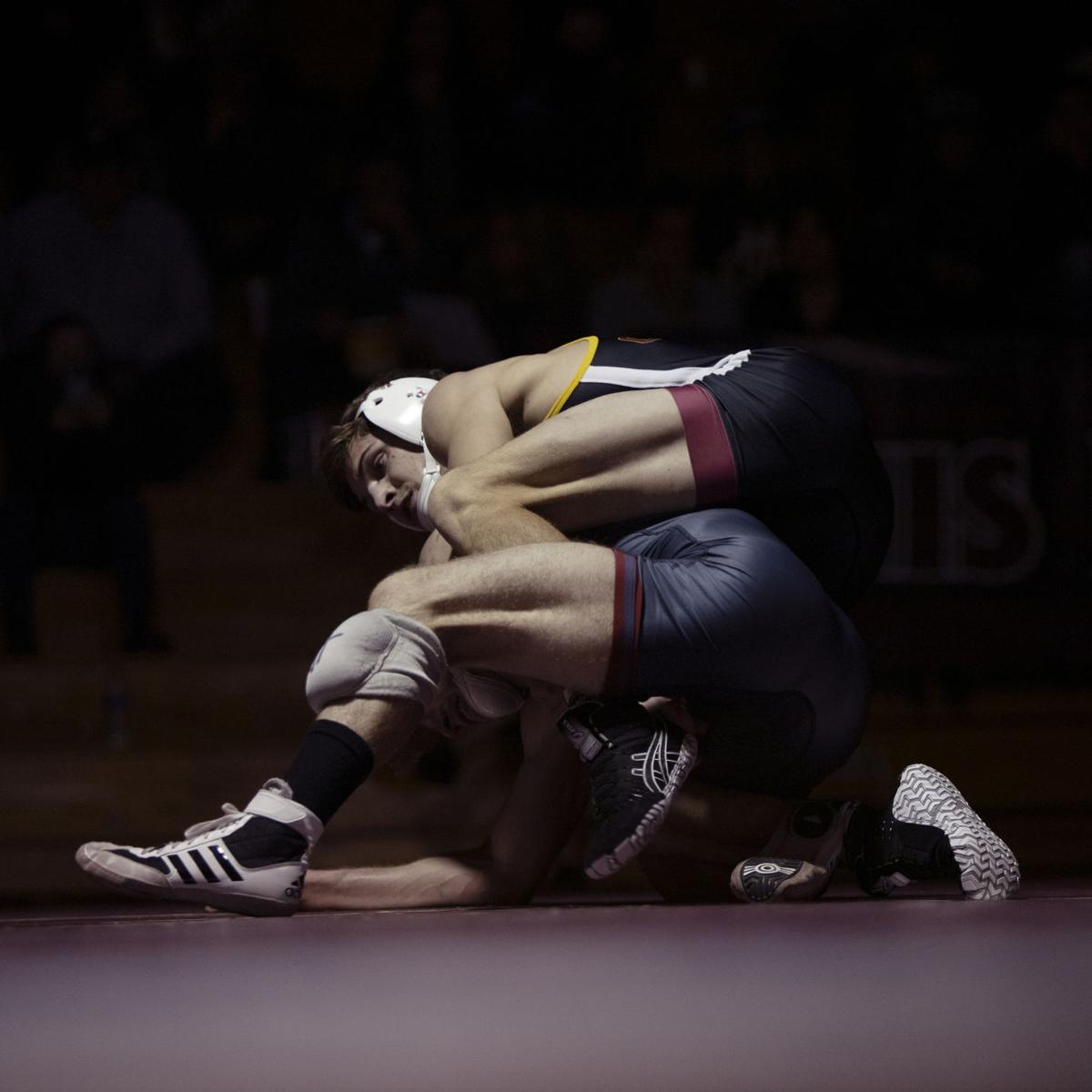 Metzgar's pin gets Mavs' win over Chadron started