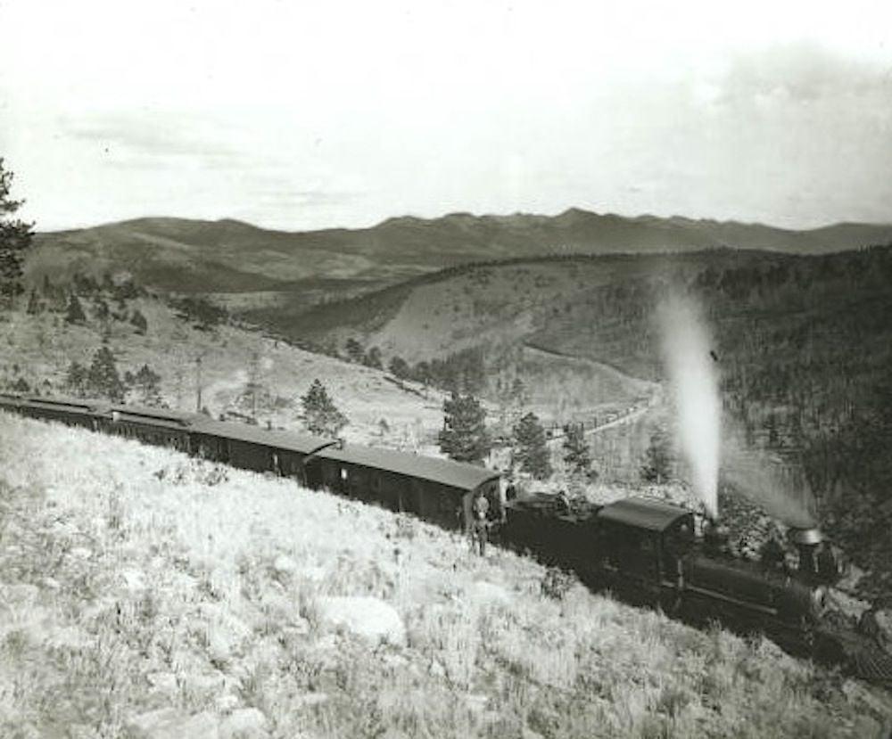 Marshall_Pass,_D&RG_train,_c.1890.jpg