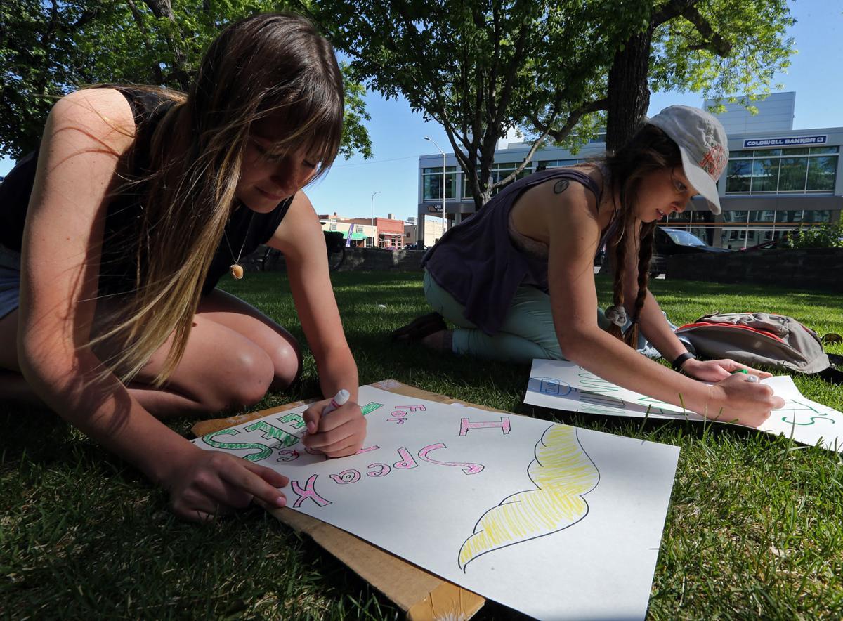 Make Earth cool again, students say