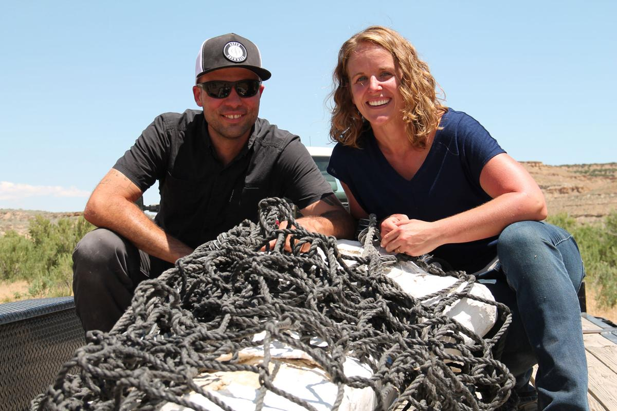 Discovery wraps up with airlift of duck-billed dinosaur