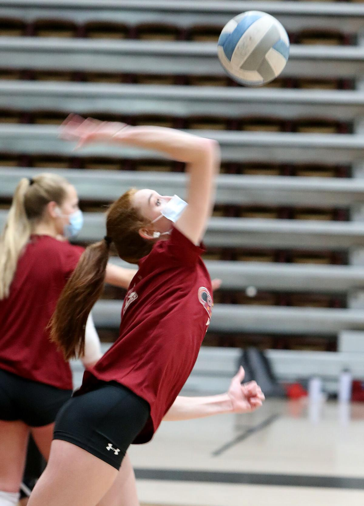012121-CMU volleyball 5-CPT