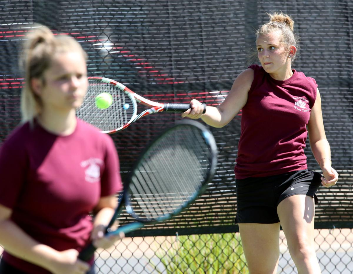 Kylie and Natalie Hanks team up for Mesa County junior tennis tournament