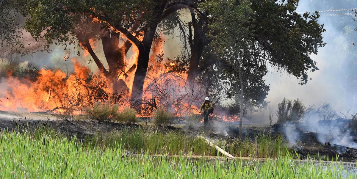 070519-Connected-Lakes-fire-3.jpg