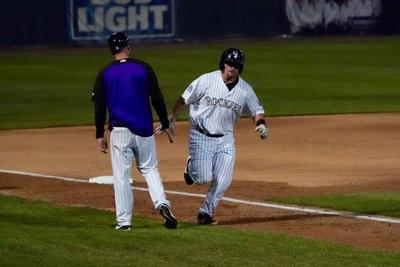 Late HR dooms GJ in Game 1 of playoffs