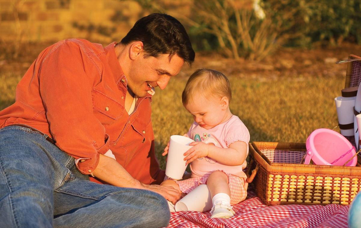 Experts offer advice on bonding for new dads