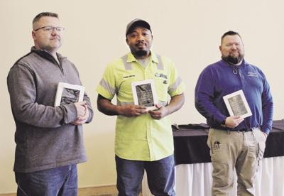 Gladstone city employees receive top recognition