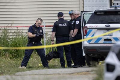 US-NEWS-CHICAGO-OFFICERS-SHOT-TB