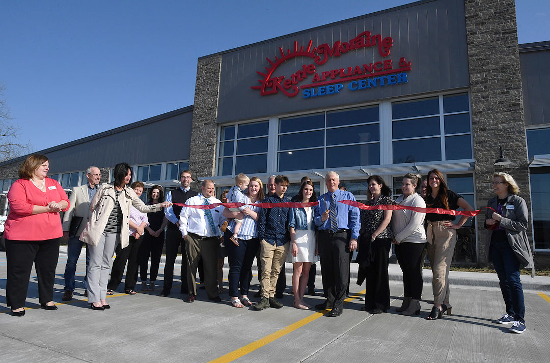Kettle Moraine Appliance S New Location Offers Shoppers State Of