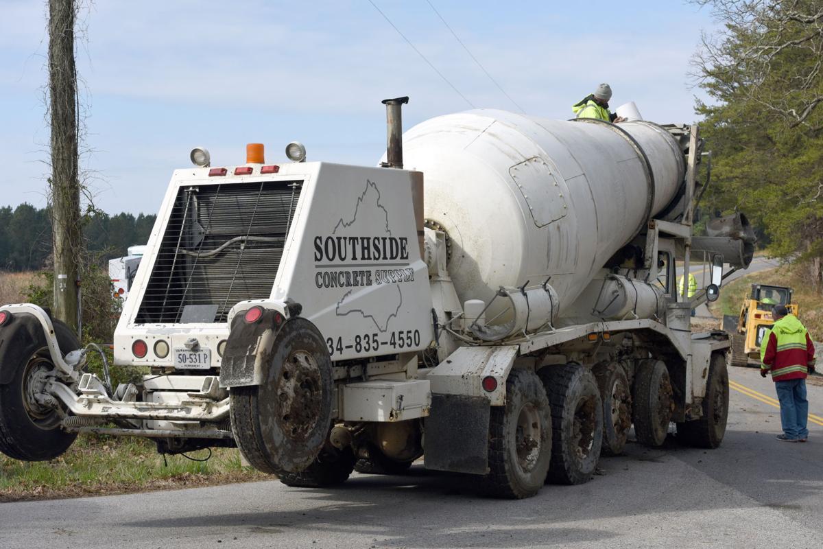 PHOTOS: Concrete truck wreck closes roadway | Local | godanriver com