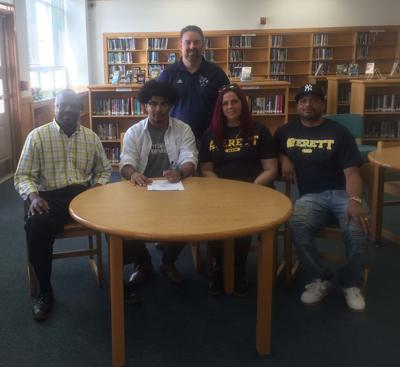 Gregory Gardner inks with Averett
