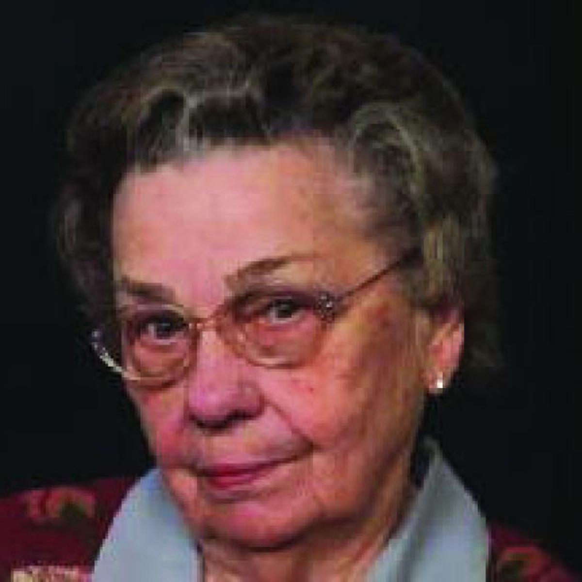 Moore, Annie | Obituaries | godanriver com