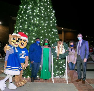 Lander Continues Tree Lighting Tradition