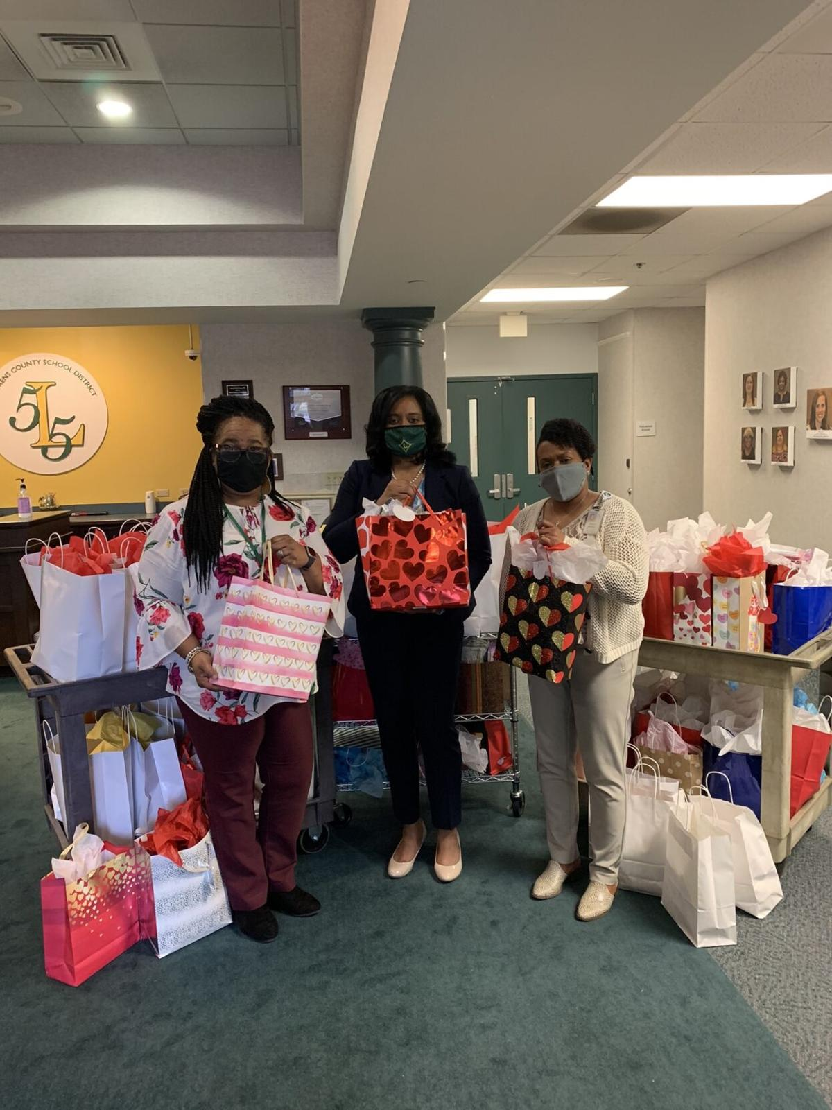 55 L to R-Amy James-Dr. Ameca Thomas - Renee Madden Bags of Love 2020 (002).jpg