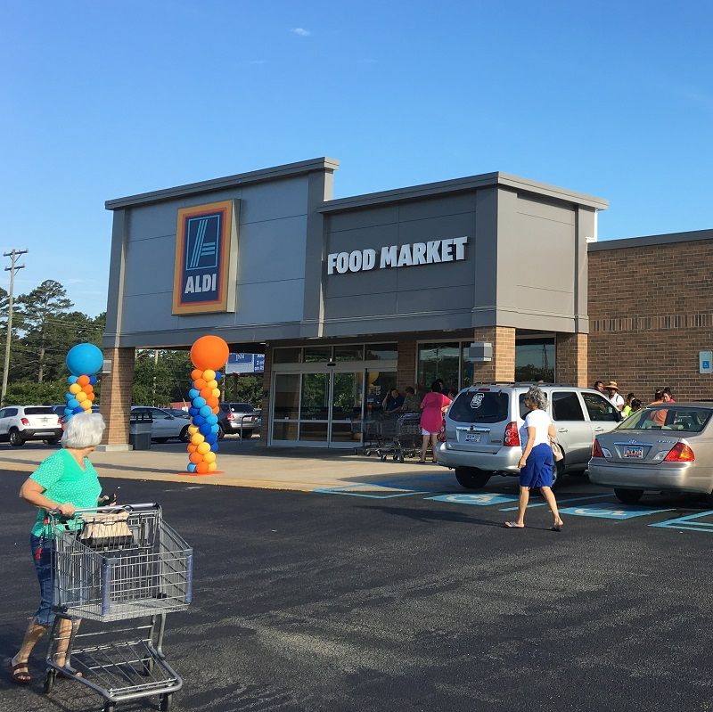 ALDI cuts the ribbon on renovated store in Laurens