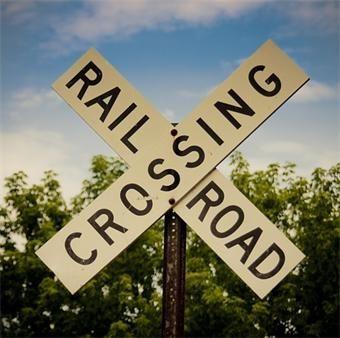 Railroad crossing in Clinton closing for repairs